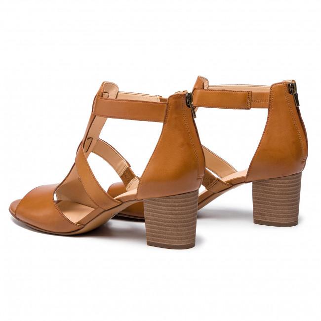 7741dbf272 Sandals CLARKS - Deloria Fae 261403494 Tan Leather - Casual sandals ...
