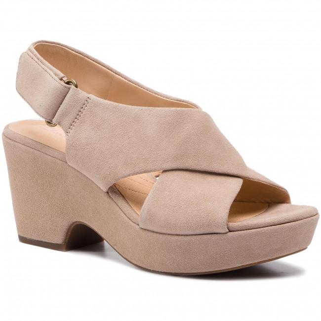3a774a378889 Sandals CLARKS - Maritsa Lara 261401204 Sand Suede - Casual sandals ...
