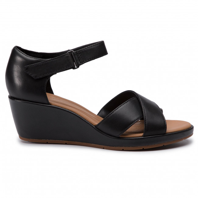 fe3249816742 Sandals CLARKS - Un Plaza Cross 261423094 Black Leather - Wedges ...