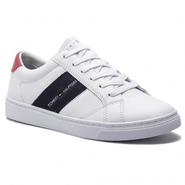 67365add462bf Sneakers TOMMY HILFIGER. Tommy Playful Badge Sneaker FW0FW03996 White 100