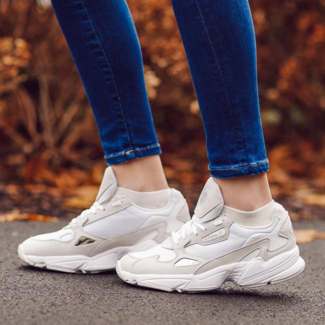 Shoes adidas - Falcon W B28128 Ftwwht