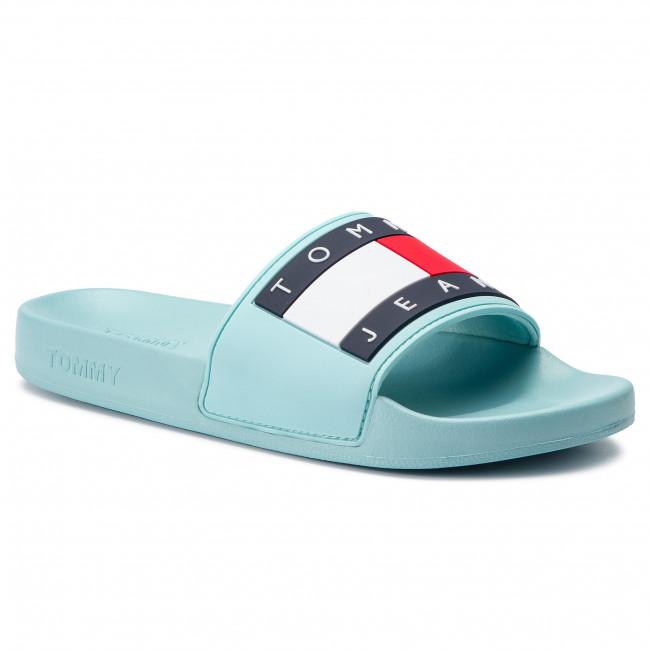 ebe0c8df2adf Slides TOMMY JEANS - Flag Pool Slide EN0EN00474 Canal Blue 446 ...