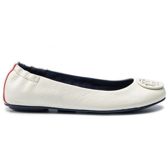 0ba42fd451 Flats TOMMY HILFIGER - Flexible Leather Ballerina FW0FW04073 Whisper ...