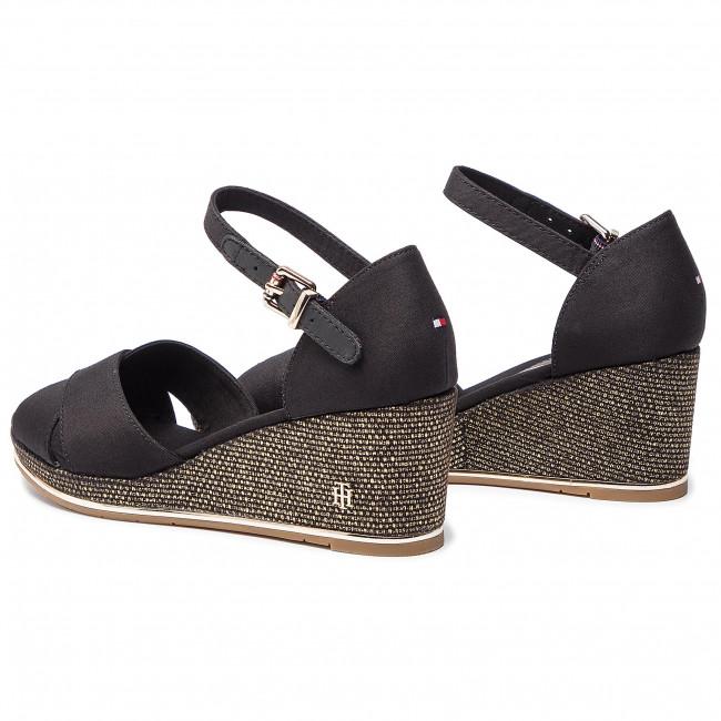 Feminine Mid Wedge Sandal Basic