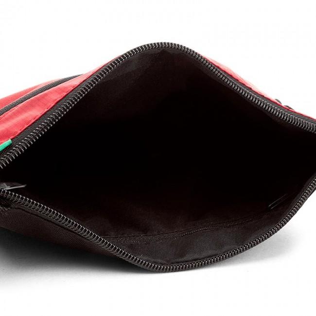 2bb8746a7823 ... messenger bag puma ferrari fanwear portable 074777 02 puma black new