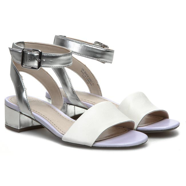 2cb2975fe60 Sandals CLARKS - Sharna Balcony 203581004 White Silver - Casual sandals -  Sandals - Mules and sandals - Women s shoes - www.efootwear.eu