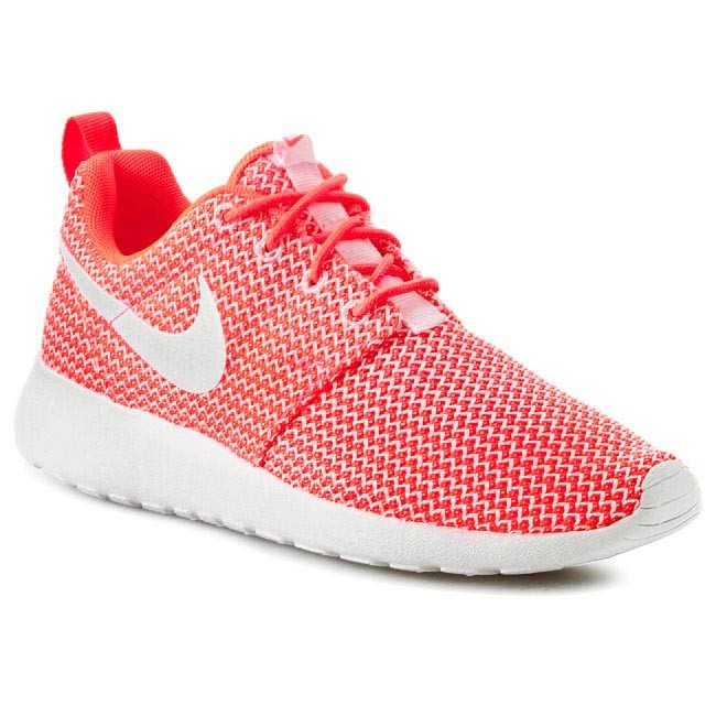 7f83c25ac656 Shoes NIKE - Rosherun 511882 802 Hot Lava White - Sneakers - Low ...