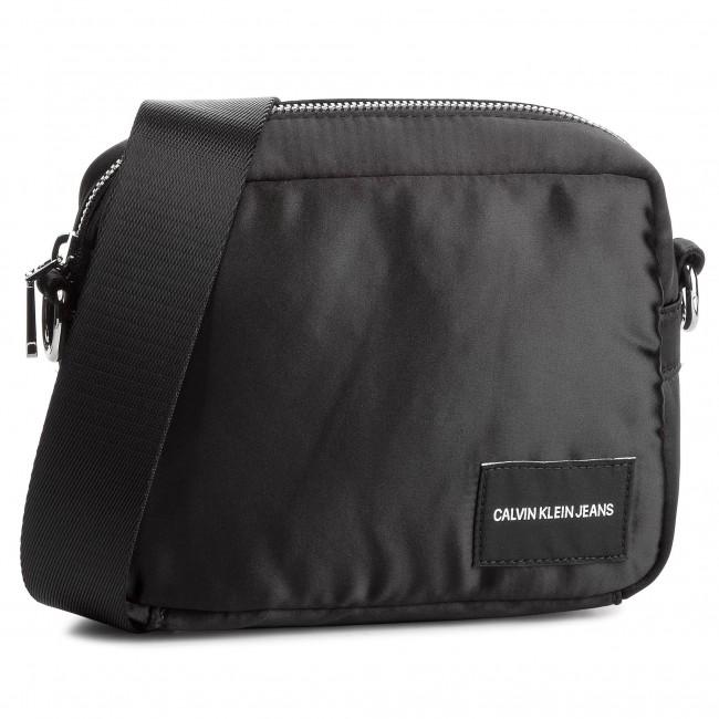 a8b34e6ad2 Handbag CALVIN KLEIN JEANS - Satin Camera Bag K40K400820 001 - Cross ...