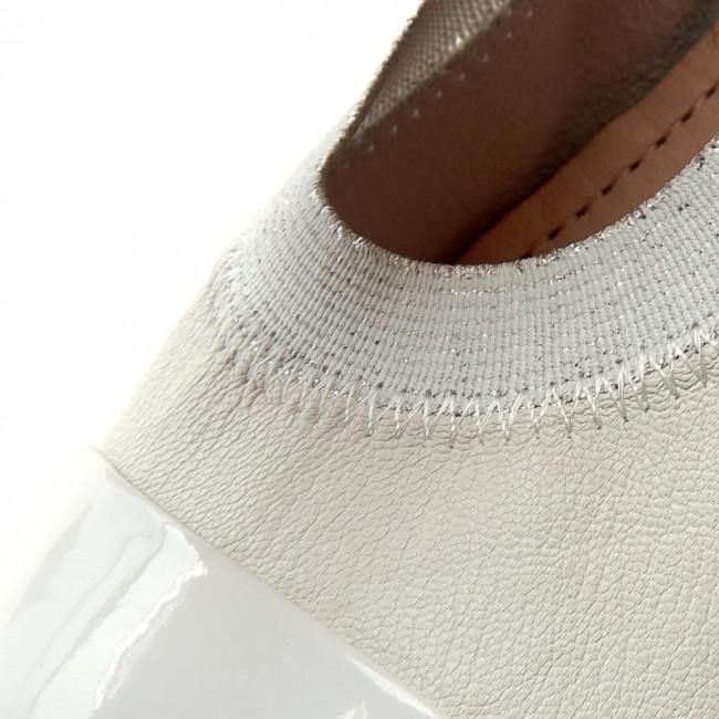 usine vente adidas f50 adizero trx fg terre crampons ferme les crampons terre en cuir noir chez élire au royaume - uni en ligne bb404a