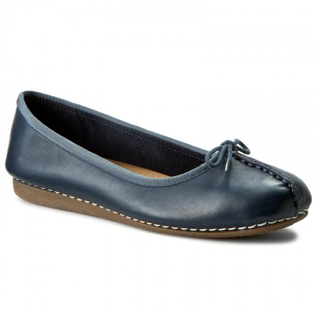 Flats CLARKS Freckle Ice 203529324 Navy Leather