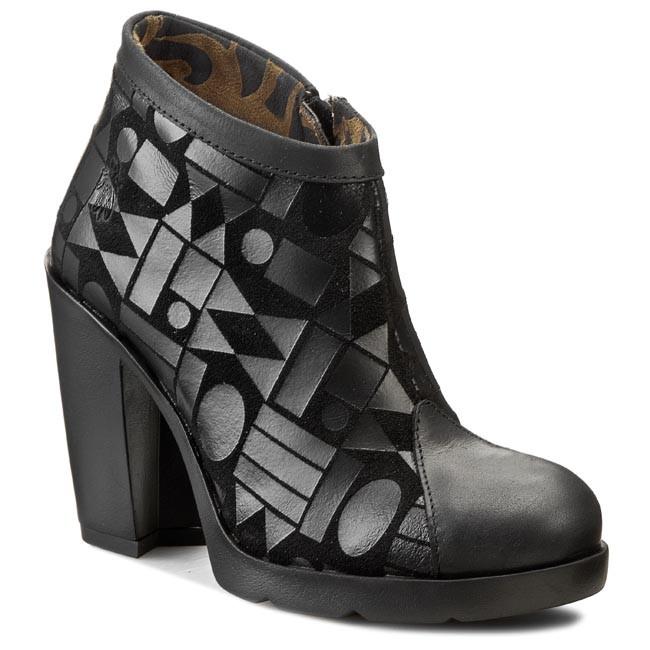 Ugg Tennis Shoes Von Maur
