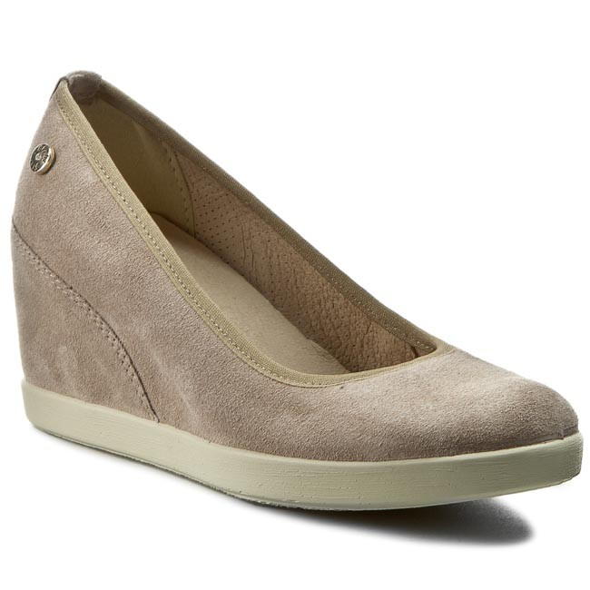 Popular Clarks Shoes