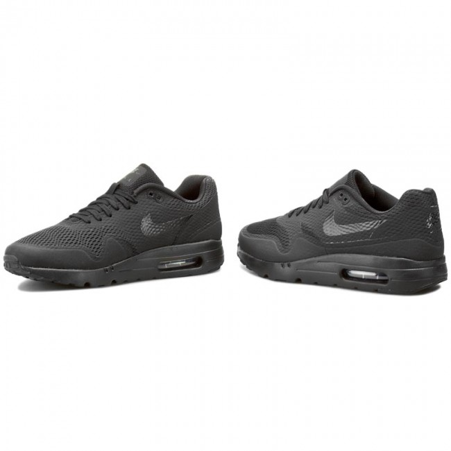 Triple Black Is Also Applied On The New Nike Air Max 1 Ultra