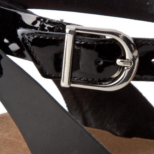 Sandals CLARKS Romantic Moon 261241414 Black Combi Leather