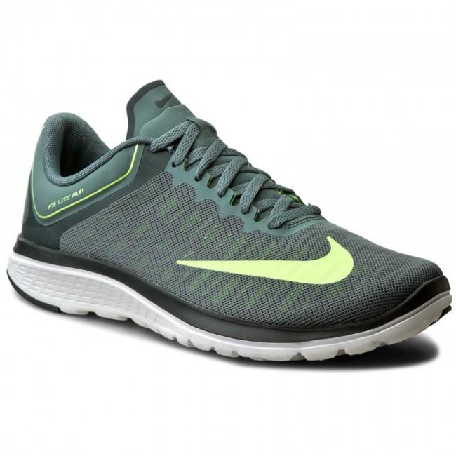 Shoes NIKE - Fs Lite Run 4 852435 300