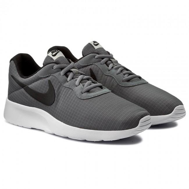 Nike Women S Tanjun Shoes Black White