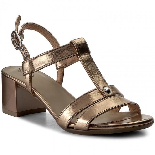 Sandals NERO GIARDINI - P717610D T.Rio Sandalo 434