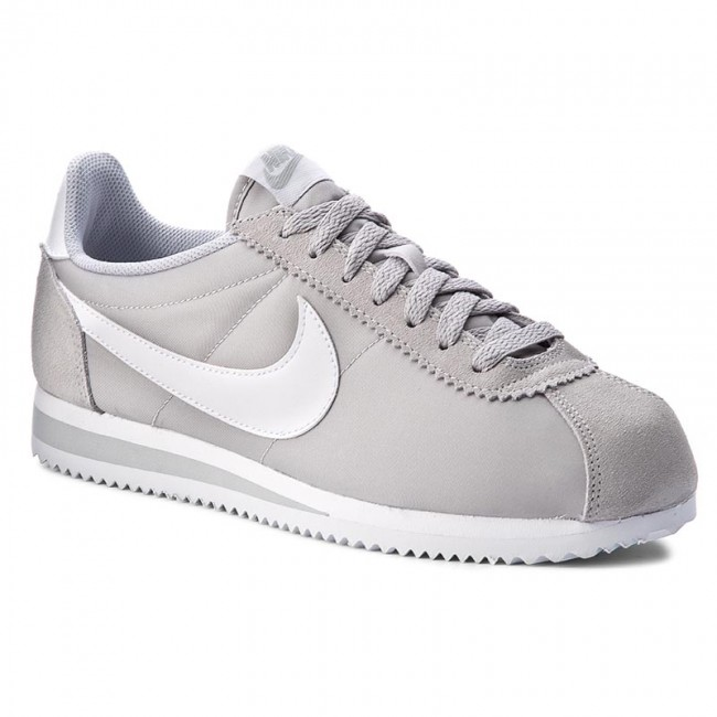 4bd44cf718201 Shoes NIKE - Classic Cortez Nylon 807472 010 Wolf Grey/White - Sneakers -  Low shoes - Men's shoes - efootwear.eu
