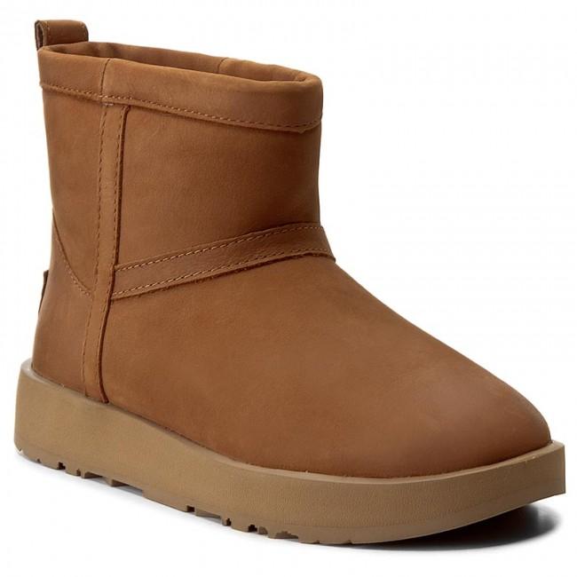 333b12e4f81 Shoes UGG - W Classic Mini L Waterproof 1019641 W/Che