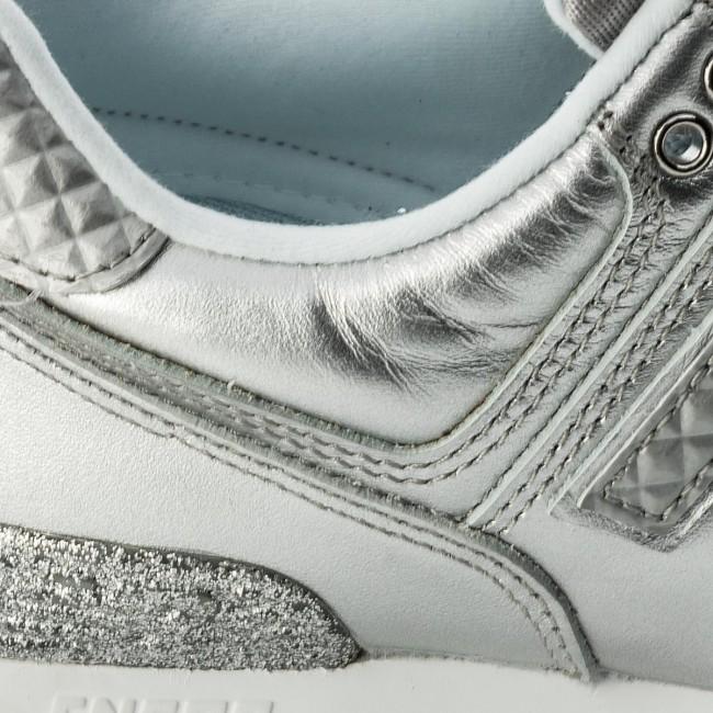 Sneakers NEW BALANCE WL574NRI Silver