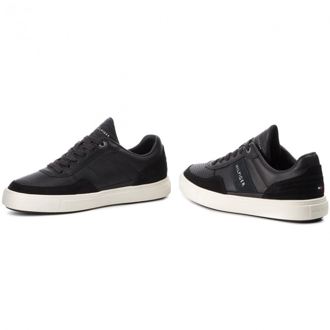 Sneakers TOMMY HILFIGER Lightweight Material Mix Low Cut FM0FM01706 Black 990