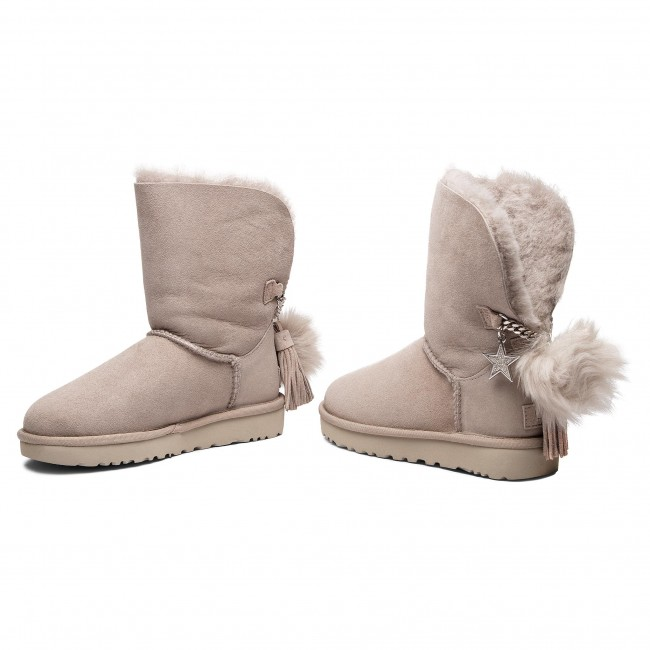 5cb891495e7 Shoes UGG - W Classic Charm Boot 1095717 W/Will