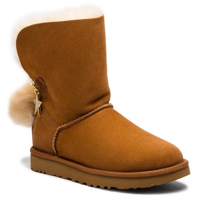 9f400f8b413 Shoes UGG - W Classic Charm Boot 1095717 W/Che