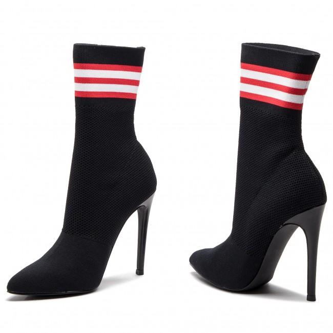 semáforo Irónico Espíritu  Boots STEVE MADDEN - Century Ankle Boot SM11000106-04004-010 Black ...