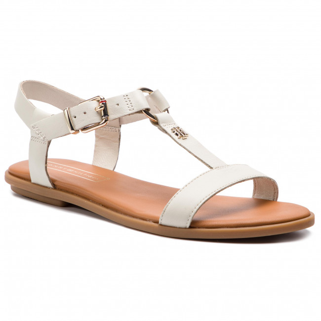 Elevated Leather Flat Sandal FW0FW03946
