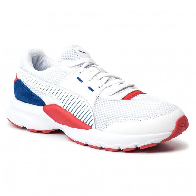 puma white sports shoes