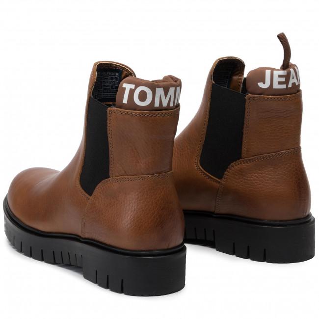 Ankle Boots TOMMY JEANS Padded Tongue Chelsea Boot EN0EN00620 Winter Cognac GVI