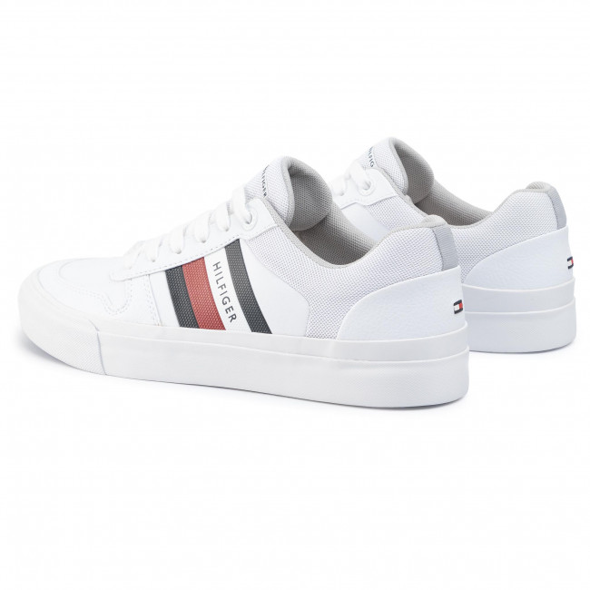 Sneakers TOMMY HILFIGER Core Corporate Modern Vulc FM0FM02618 White WHT