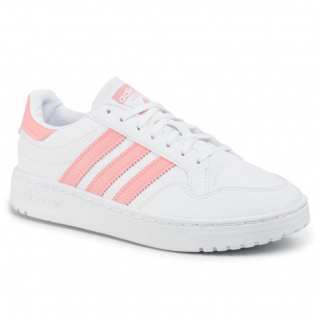 women shoes adidas