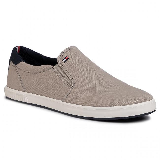 Iconic Slip On Sneaker FM0FM00597 Stone