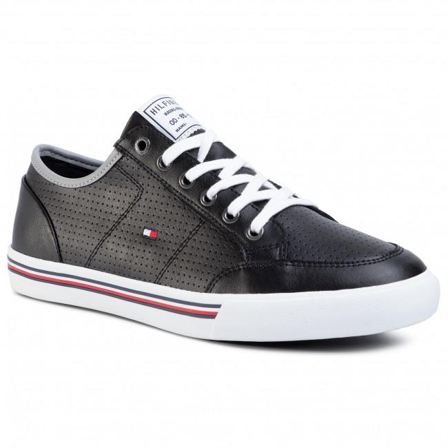 Core Corporate Leather Sneaker
