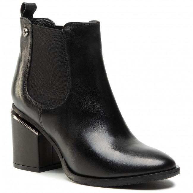 Ankle boots CARINII - B5881  E50-000-000-E27