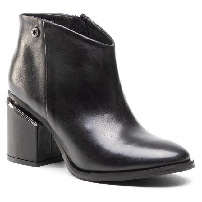 Ankle boots CARINII - B5882 E50-000-000-E27
