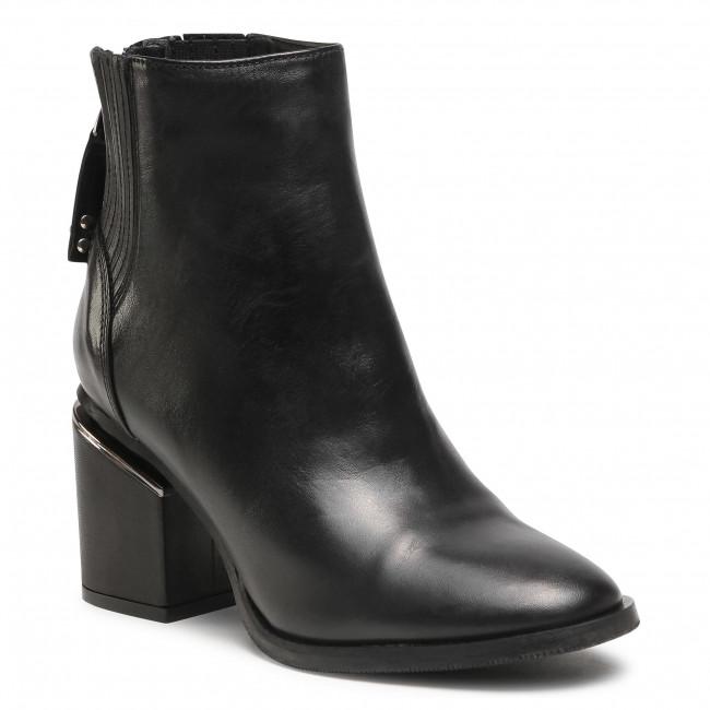Ankle boots CARINII - B5884 E50-000-POL-E27