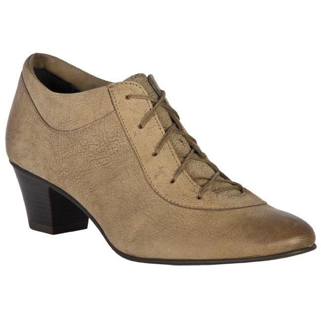 Shoes BUT-S - N818-NH0-0A0 Brown