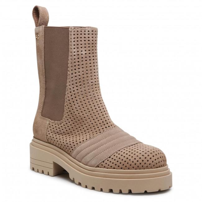 Hiking Boots CARINII - B7088 O17-000-000-E23