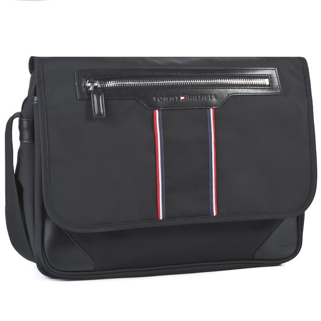 Bag TOMMY HILFIGER - 4A T WW409 00 Black