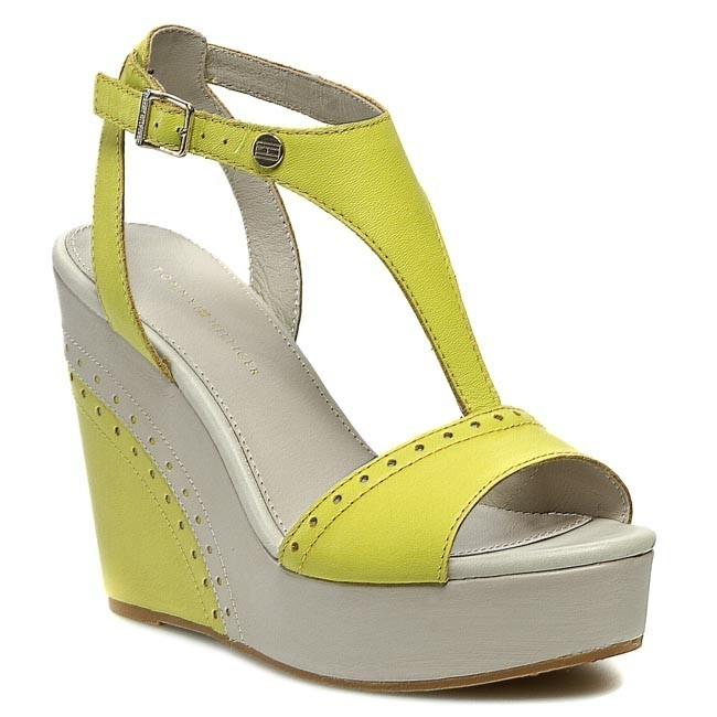 Sandals TOMMY HILFIGER - FW56816773 Beige Yellow