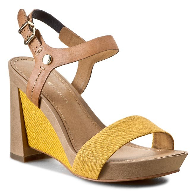 Sandals TOMMY HILFIGER - Phoebe 2C FW56818723 Natural/Mineral Yellow 104