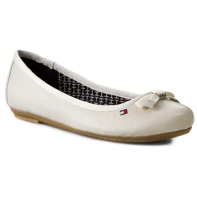 Flats TOMMY HILFIGER - Camilla 51A FW56818897 Whisper White 121