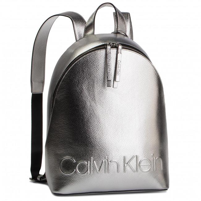 58e7b9461 Backpack CALVIN KLEIN - Edged Backpack Met K60K605204 068 ...