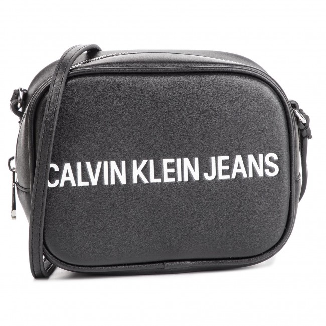6094f39a3 Handbag CALVIN KLEIN JEANS - Sculpted Logo Camera Bag K60K605247 001 ...