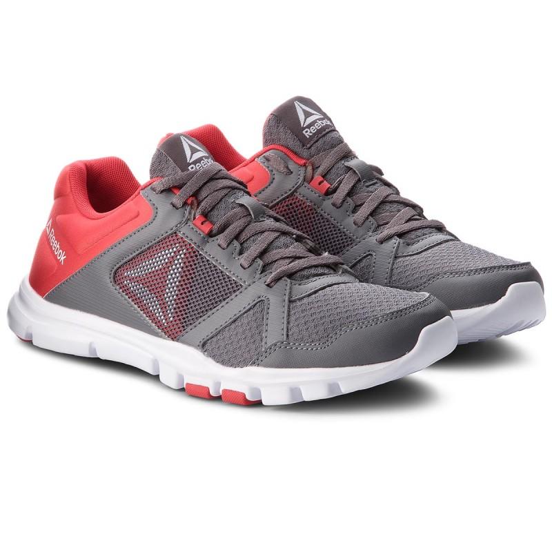 Reebok YOURFLEX TRAIN 10 MT - Sports shoes - shark/primal red/white qnmSp
