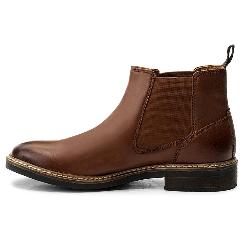 blackford men Style and character are on the agenda with these men\'s boots called blackford cap from clarks they have a black leather upper for style and comfort to complete the picture, they have a.