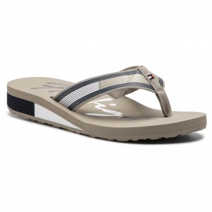 Slides TOMMY HILFIGER - Corporate Flag Beach Sandal FW0FW03650 Cobblestone  068 d44ea5e7632