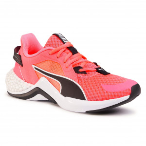 Women's running shoes meet professional models | efootwear.eu